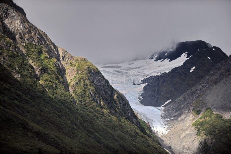 Montanhas e geleiras de Alaska imagem de stock