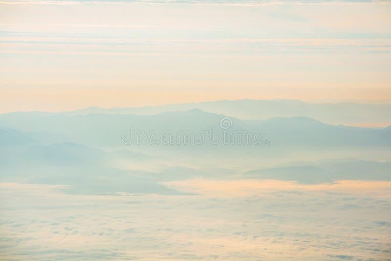 Montanhas e montes fotografia de stock