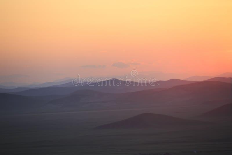 Montanhas e pradarias fotografia de stock royalty free