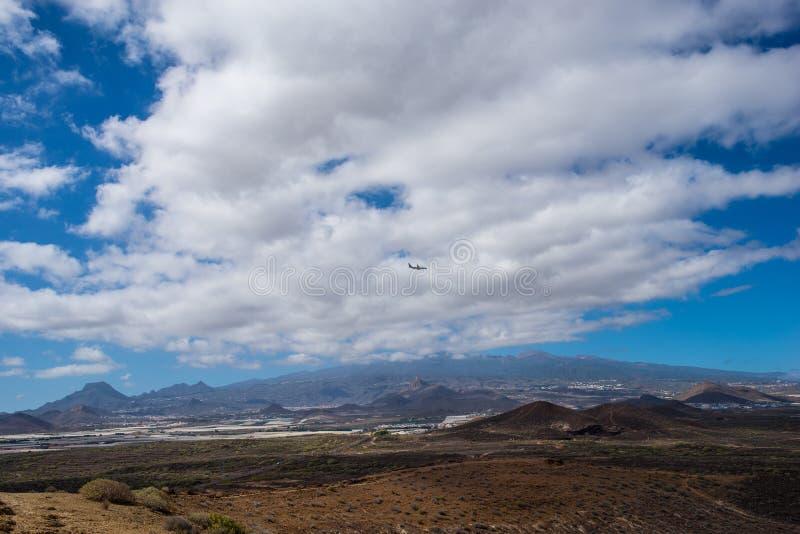 Montanhas e vulcão Teide, nuvens imagens de stock royalty free