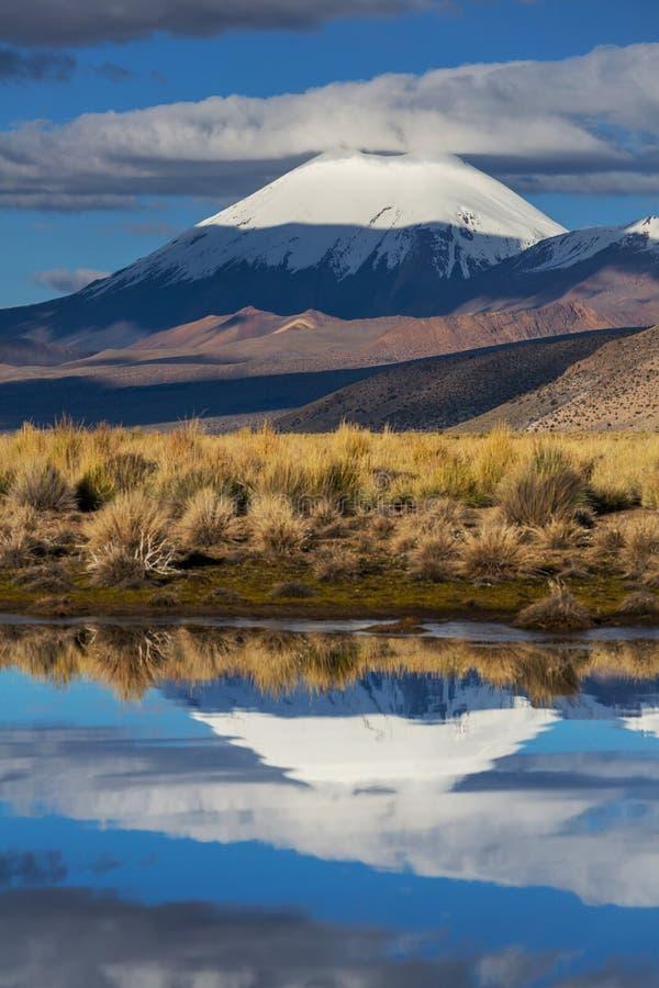 Montanhas em Bolívia fotografia de stock
