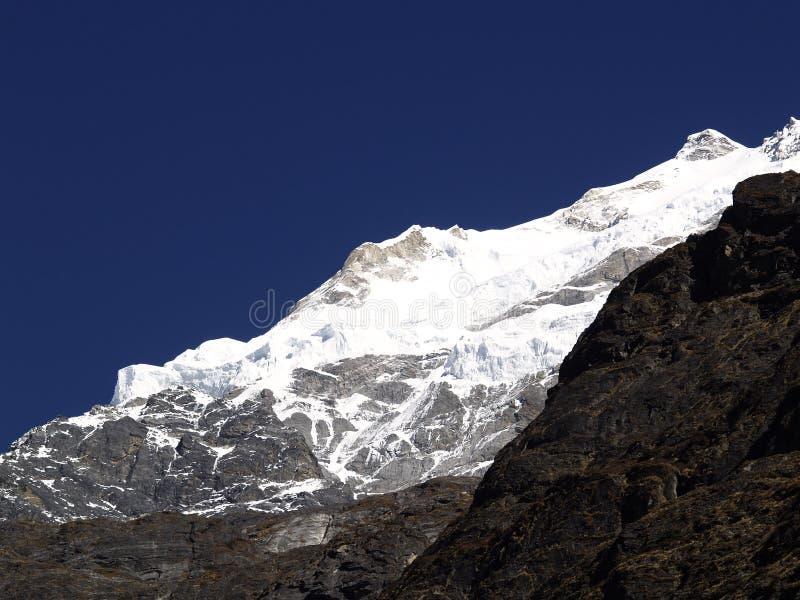 Montanhas em Langtang fotografia de stock royalty free
