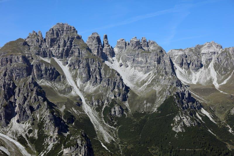 Montanhas em Tirol imagens de stock