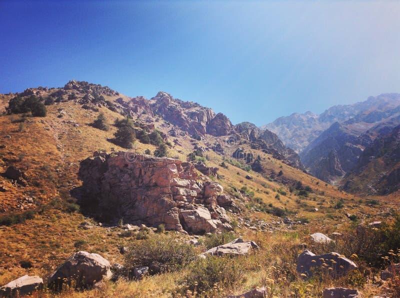 Montanhas em Usbequistão imagem de stock royalty free