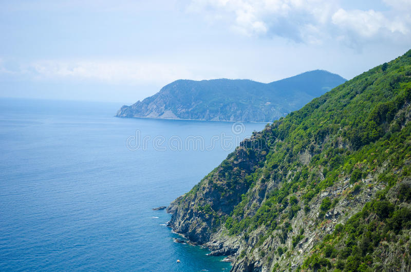 Montanhas italianas do litoral fotografia de stock