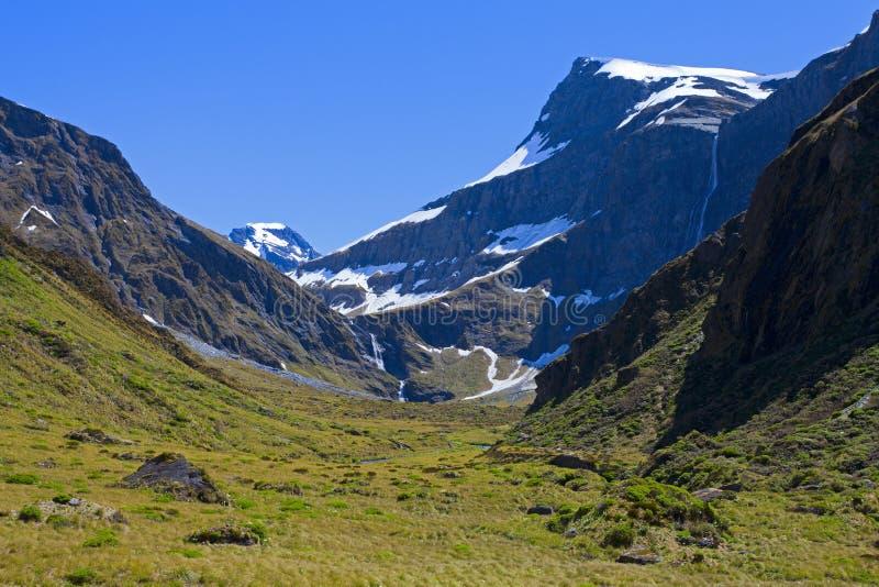 Montanhas na mola imagem de stock royalty free