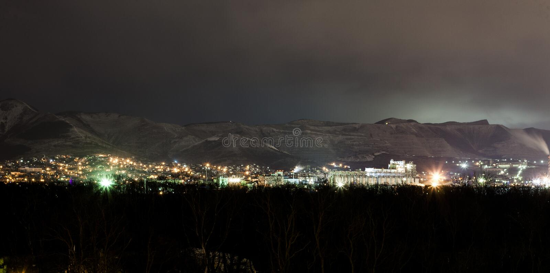Montanhas na noite foto de stock royalty free