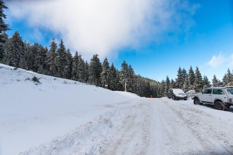 Montanhas no inverno imagem de stock royalty free