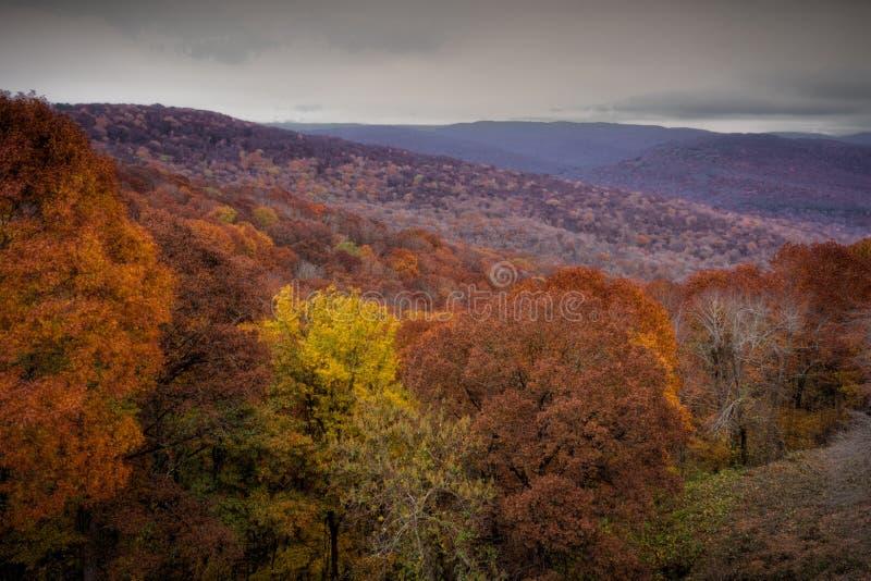 Montanhas no outono fotos de stock royalty free