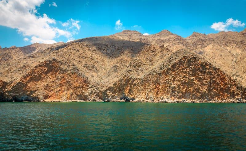 Montanhas, Oceano Índico imagem de stock royalty free