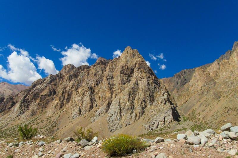 Montanhas rochosas bonitas fotografia de stock