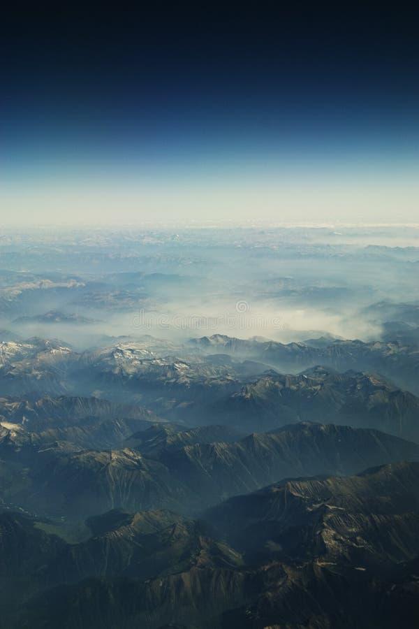 Montanhas Rochosas do céu imagem de stock royalty free