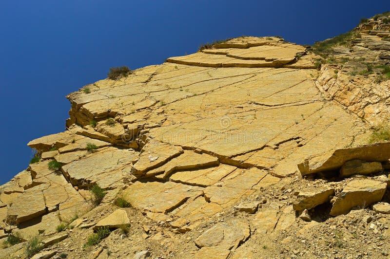 Montanhas rochosas perto da cidade de Tamasha imagens de stock