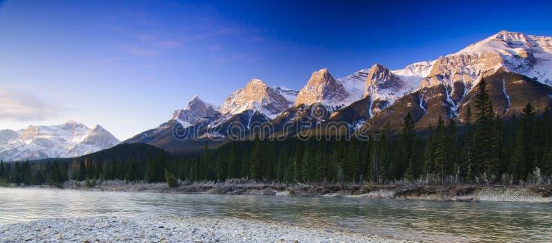 Montanhas Rochosas que despertam imagem de stock royalty free