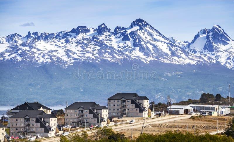 Montanhas sobre Ushuaia, Argentina fotos de stock