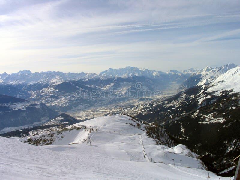 Montanhas suíças dos alpes fotos de stock royalty free