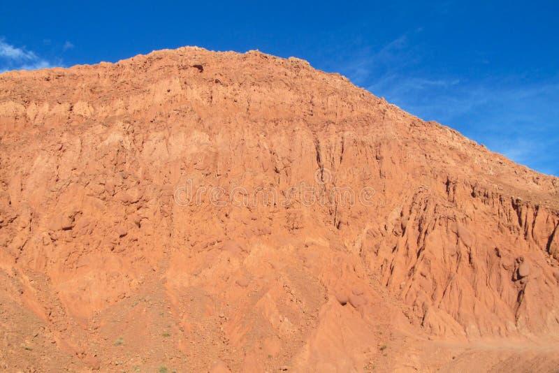 Montanhas vermelhas bonitas em Quebrada de Humahuaca imagens de stock royalty free