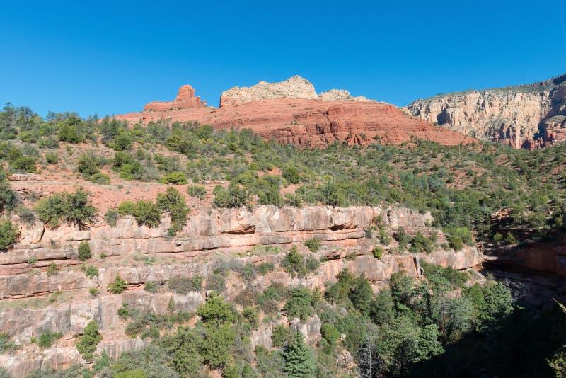 Montanhas vermelhas da rocha fotografia de stock royalty free