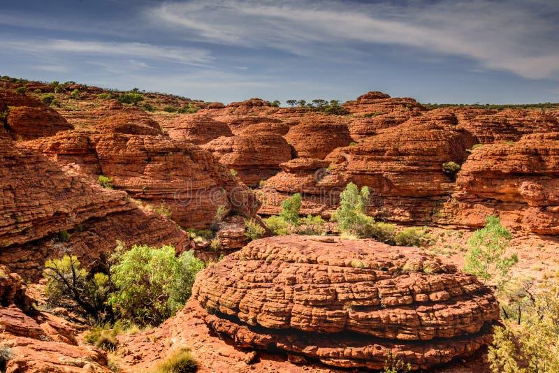 Montanhas vermelhas da rocha no Território do Norte de AustraliaHoliday em Austrália - o porto Campbell National Park é um parque foto de stock royalty free