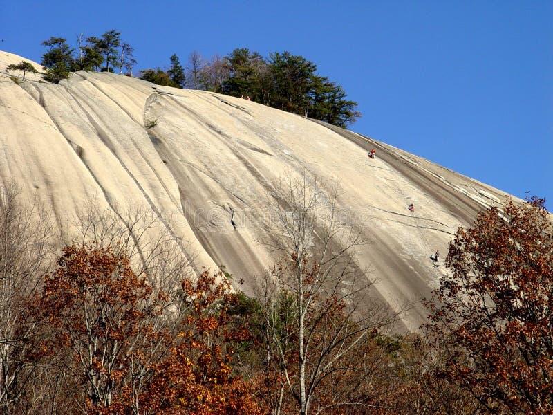 Montanhistas de pedra do parque estadual da montanha imagem de stock