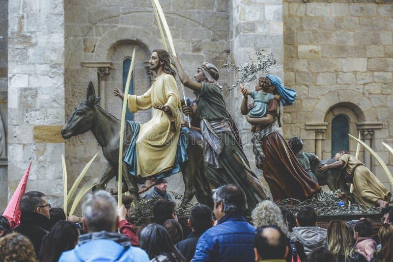 Montar a caballo de Jesus Christ en un burro el la semana de Domingo de Ramos pascua Típico de Pascua, semana santa en España Sem fotografía de archivo libre de regalías