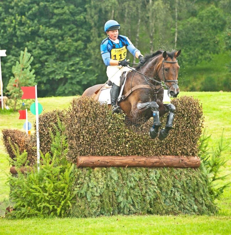 Montar a caballo del cerero de Emilie para Gran Bretaña en Blair
