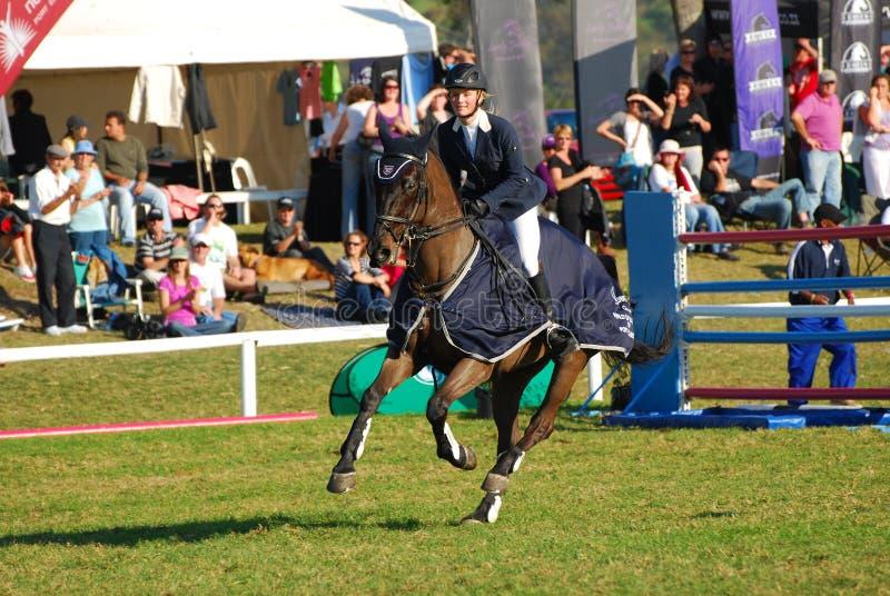 Montar a caballo del regazo de victoria fotografía de archivo