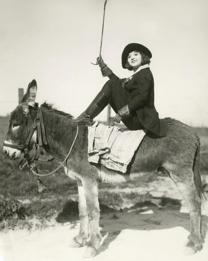 Montar a caballo a pelo fotos de archivo