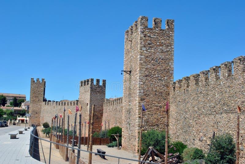 Montblanc stadsväggar royaltyfri foto