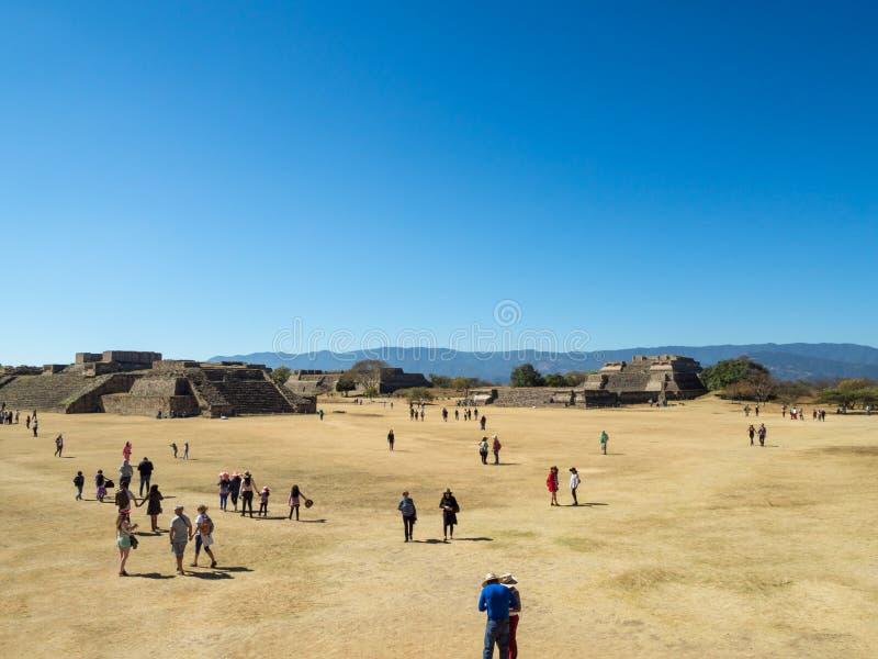 Monte奥尔本,瓦哈卡,墨西哥,南美:[古老Zapotec市在山顶部, UNES最大的废墟  库存照片