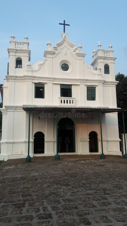 Monte小山教会的门面 免版税库存照片