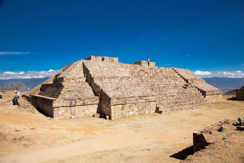 Monte Alban é um capital antigo de Zapotec em México imagem de stock
