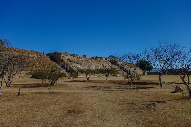 Monte Alban - de ruïnes van de Zapotec-beschaving in Oaxaca stock fotografie