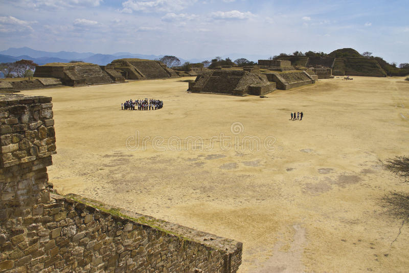 Monte Alban em Oaxaca, México imagem de stock