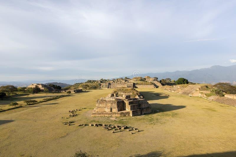 Monte Alban, ruínas de Zapotec fotografia de stock