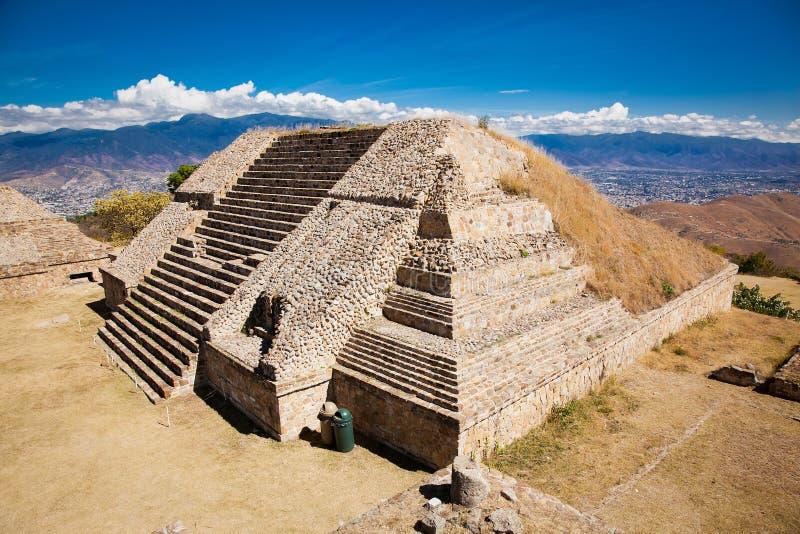 Monte Alban-ruïnes van de Zapotec-beschaving in Oaxaca, Mexico royalty-vrije stock foto