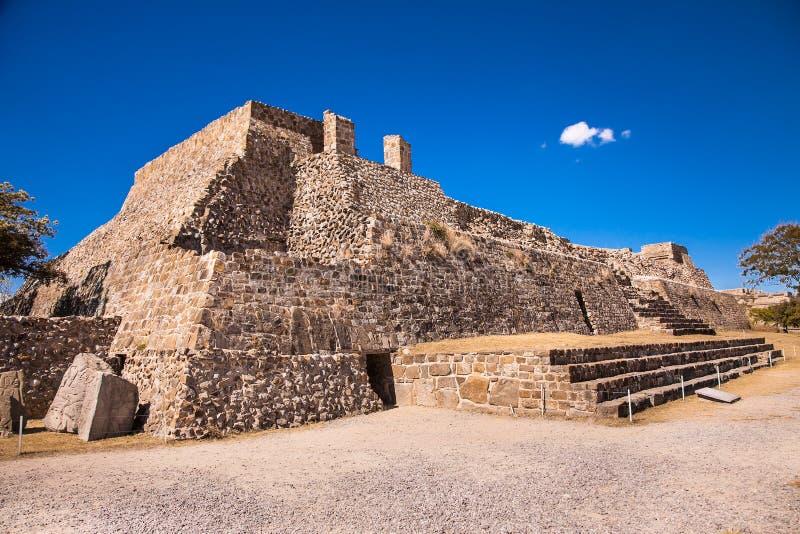 Monte Alban-ruïnes van de Zapotec-beschaving in Oaxaca, Mexico stock foto's