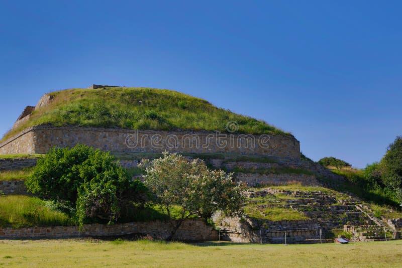 Monte Alban Ruins imagem de stock royalty free