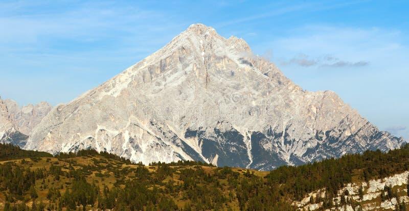 Monte Antelao, le Tirol du sud, montagnes de dolomites, Italie photos stock
