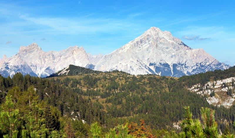 Monte Antelao, montagnes de dolomites du Tirol du sud, Alpes photographie stock