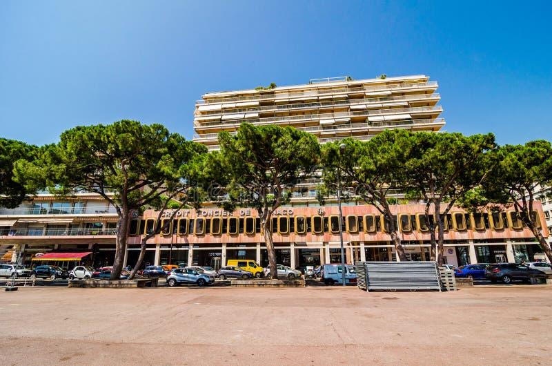 Monte - Carlo, Mônaco - 21 de junho de 2018 Construções em torno do porto fotografia de stock royalty free