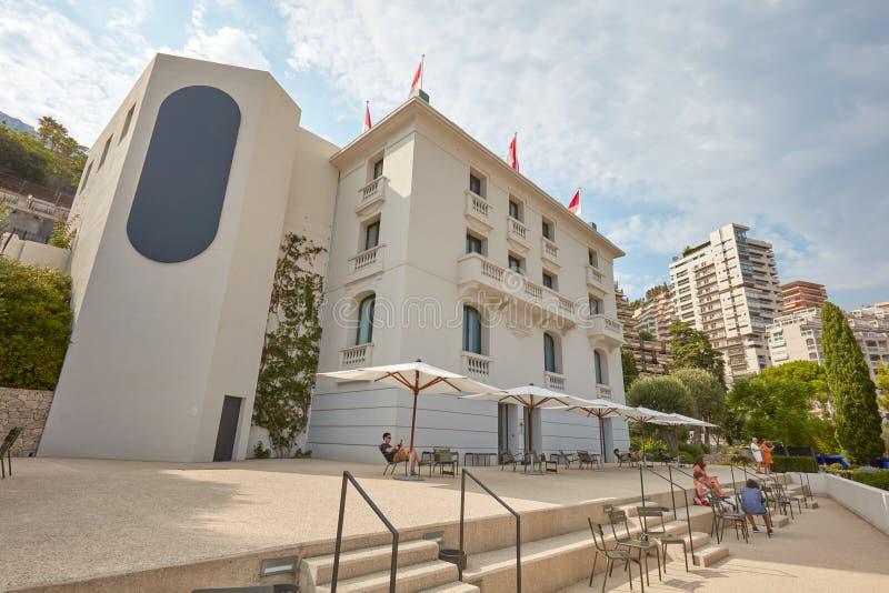 Monte, Carlo -, willi Paloma dzisiejszej ustawy muzeum budynek z ludźmi w słonecznym dniu zdjęcia royalty free