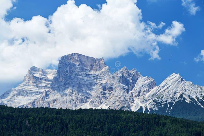 Monte Civetta berg på dagsljus royaltyfria bilder