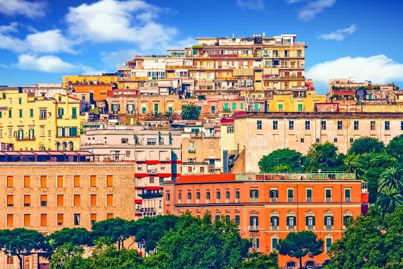 Monte colorido em Nápoles imagem de stock royalty free