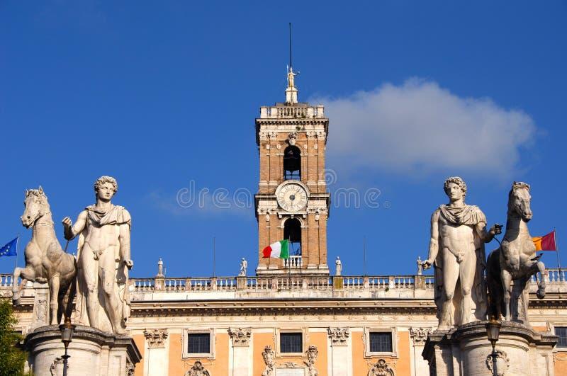Monte de Capitoline com dioskouri imagem de stock
