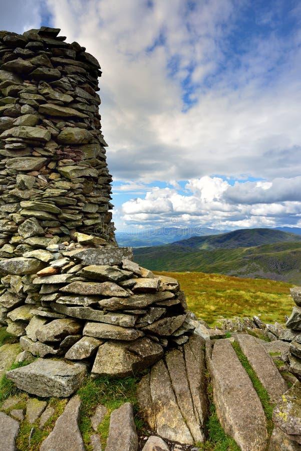 Monte de pedras de pedra no penhasco de Thornthwaite foto de stock royalty free