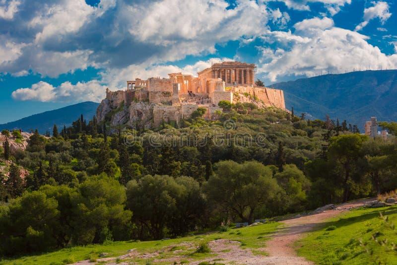 Monte e Partenon da acrópole em Atenas, Grécia fotografia de stock