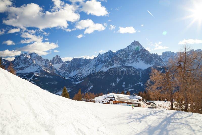Monte Elmo, dolomity, Włochy - Halny narciarstwo i jazda na snowboardzie Sexten Sesto, alt Adige, Puster Dolinny Alta Pusteria zdjęcia stock