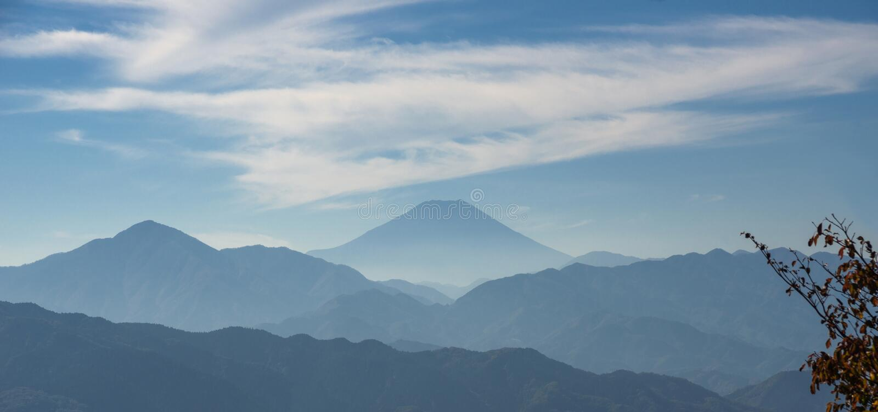 Monte Fuji com névoa fotos de stock