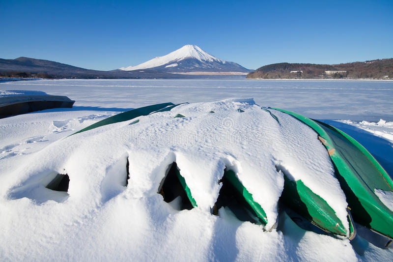 Download Fuji san foto de stock. Imagem de fuji, céu, edifícios - 29840526